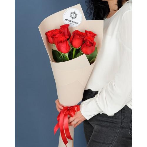 Купить на заказ Букет из 7 роз с доставкой в Лисаковске